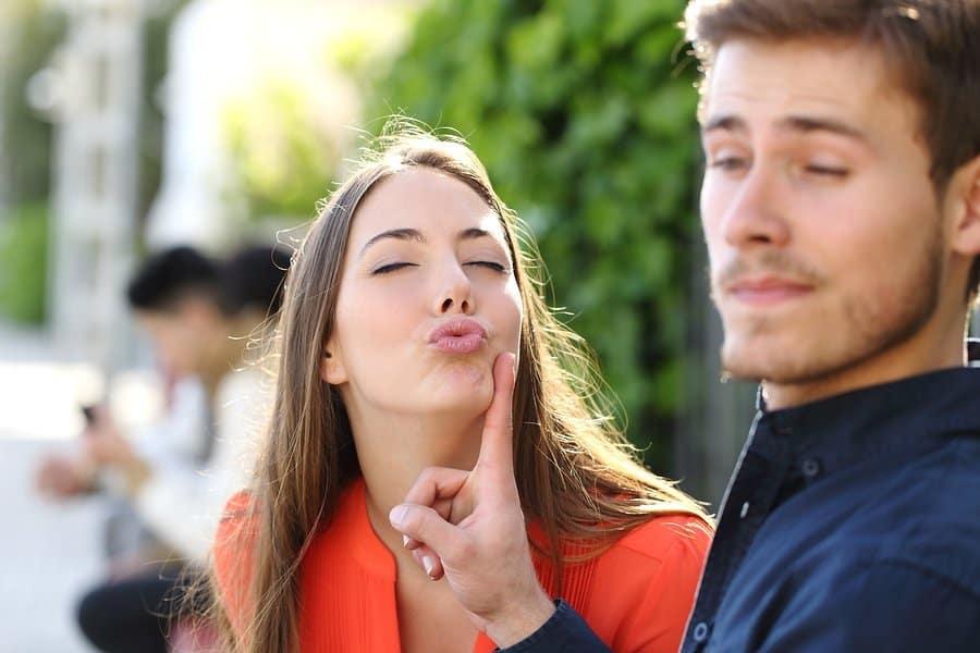 Как вести себя на первом свидании с мужчинами